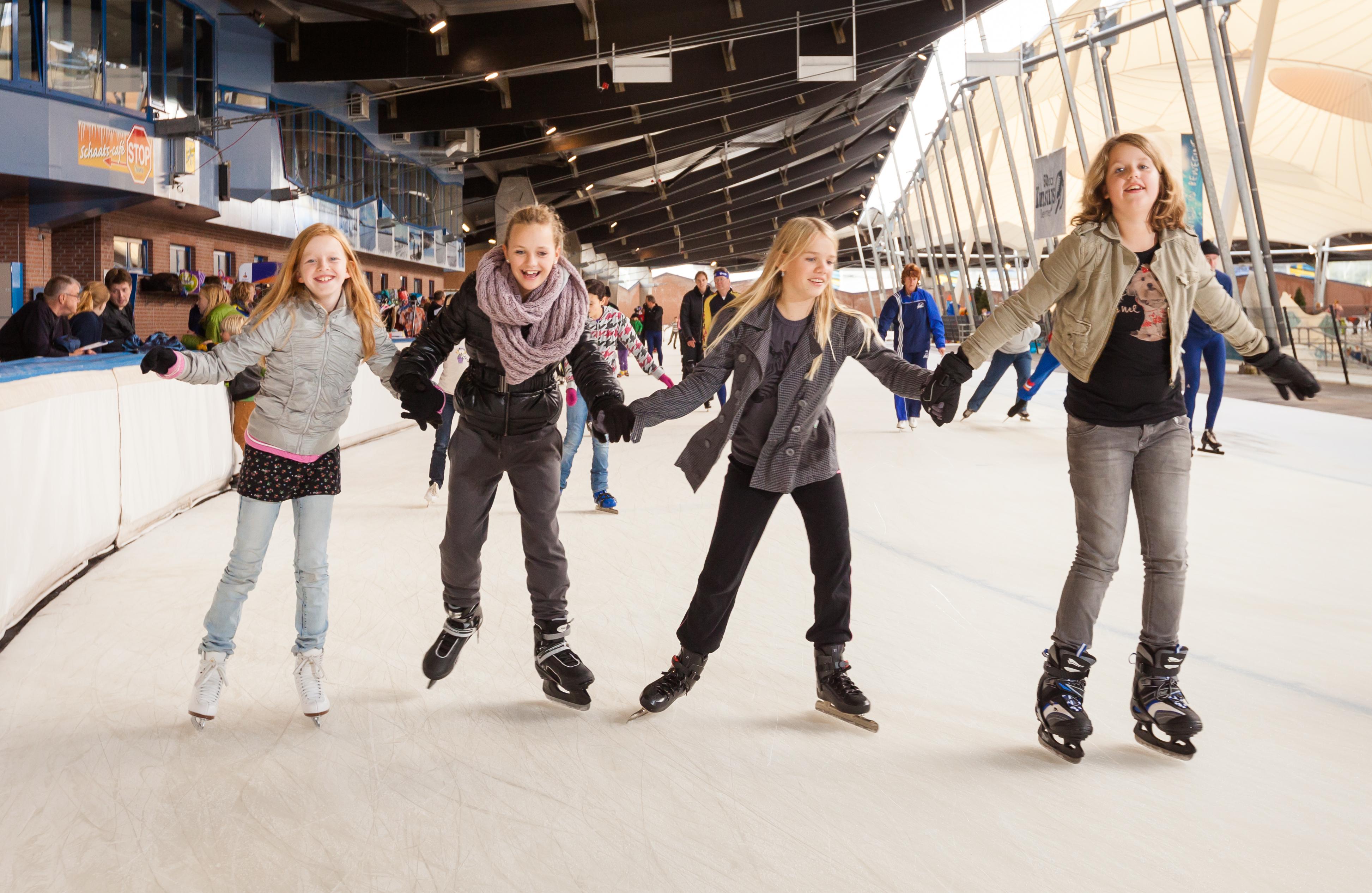 schaatsende-kinderen-De-Scheg.jpg
